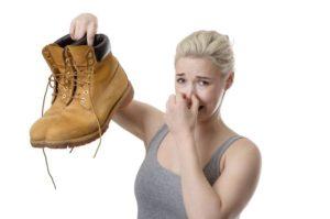 sudore piedi farmacia cannone vomero