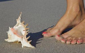camminando-piedi-nudi