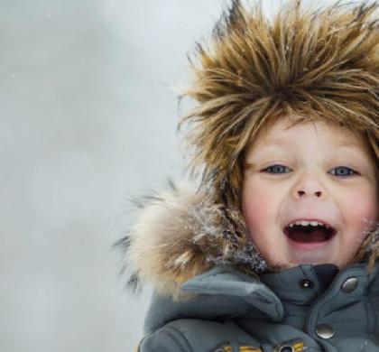 Giocare all'aperto quando fa freddo non fa bene ai bambini!
