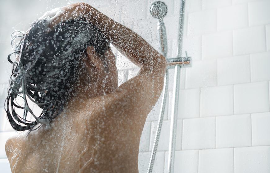 Fai la doccia tutti i giorni? Forse non è una buona idea