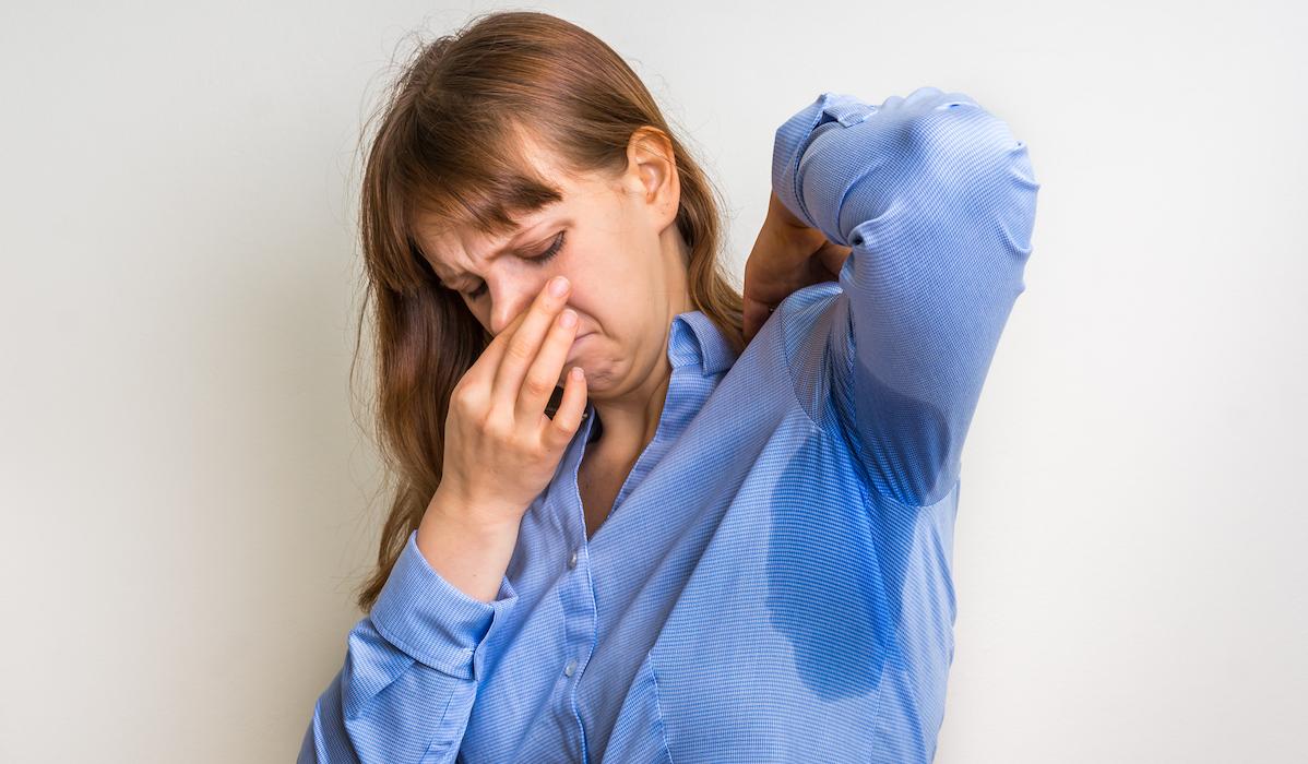 Rimedi contro il cattivo odore sotto le ascelle